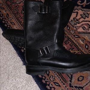 Frye Vicky Engineer Shearling Lined Boots SZ 8
